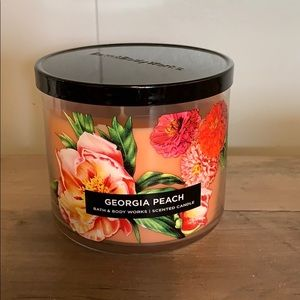NWT Bath & Body Works Georgia Peach 3 Wick Candle